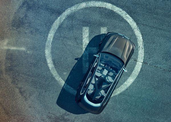 Панорамная крыша внедорожника BMW X7