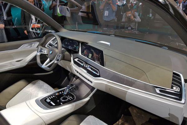 Интерьер нового BMW X7