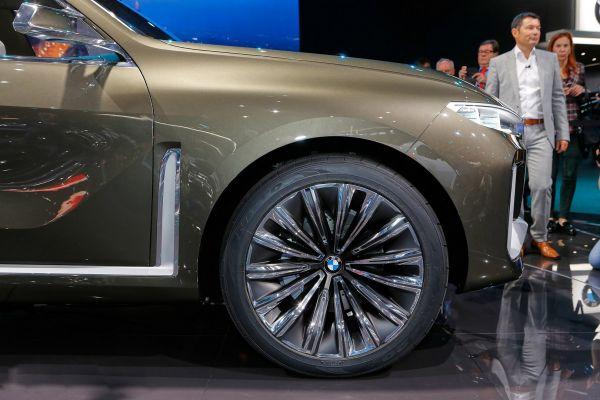 Легкосплавные диски нового BMW X7