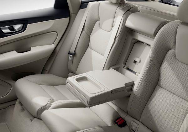 Задний ряд сидений Volvo XC60 2018