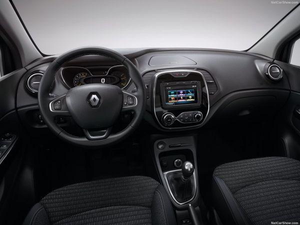 Renault Kaptur 2017, руль и панель управления