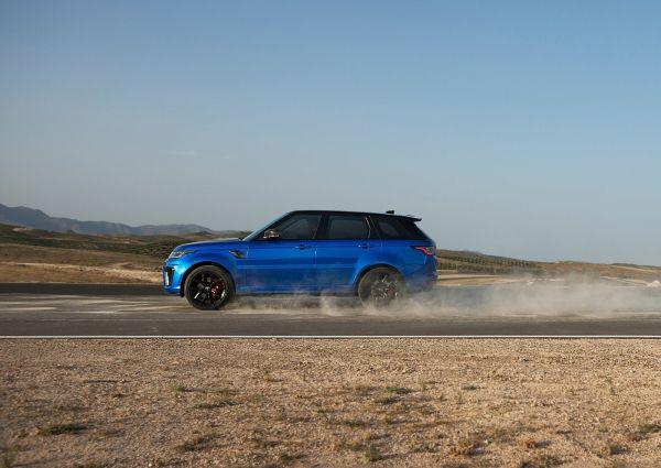 Range Rover Sport SVR 2018, вид сбоку
