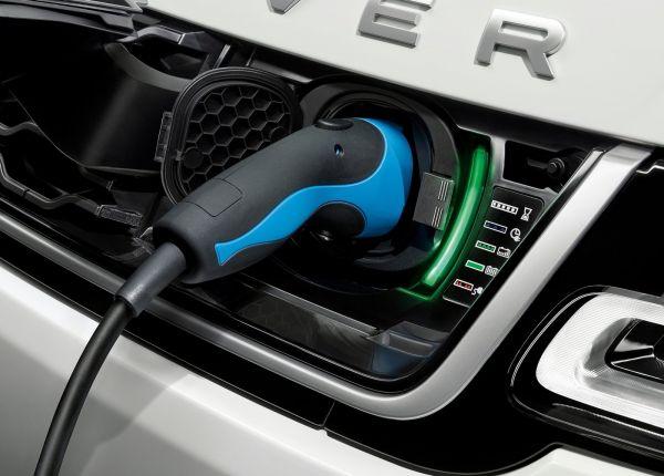 Зарядное гнездно нового Range Rover Sport PHEV 2018