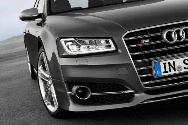 Матричная оптика на Audi S8