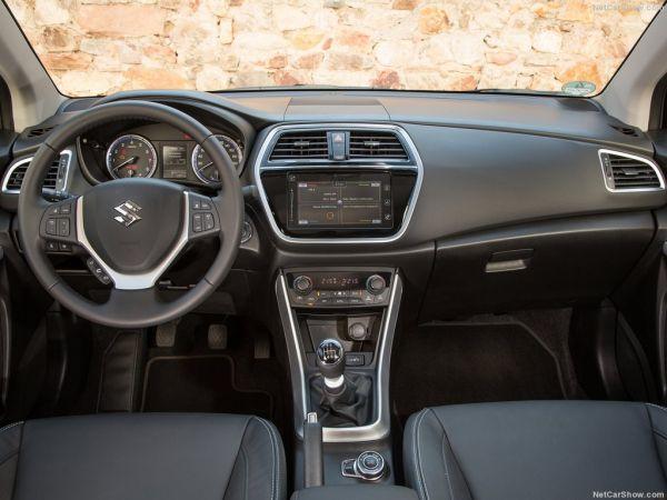 Сузуки SX4 S-cross 2017, руль и панель управления