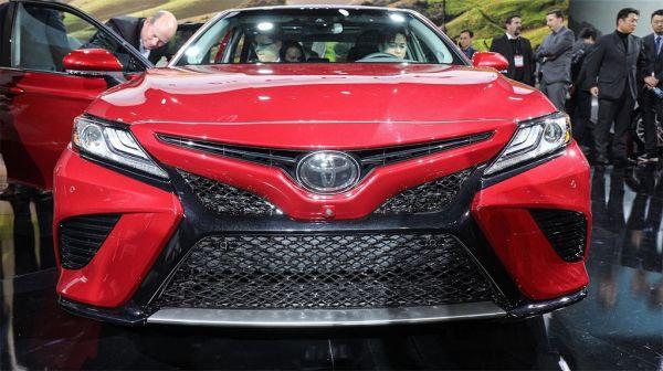Toyota Camry 2017-2018, вид спереди