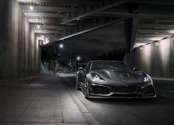 Заряженный Chevrolet Corvette ZR1 2019