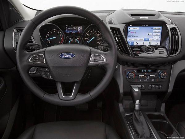 Ford Escape 2017, руль и панель управления