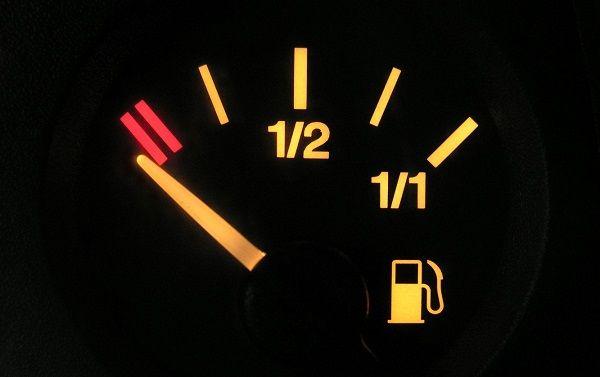 быстрый расход топлива