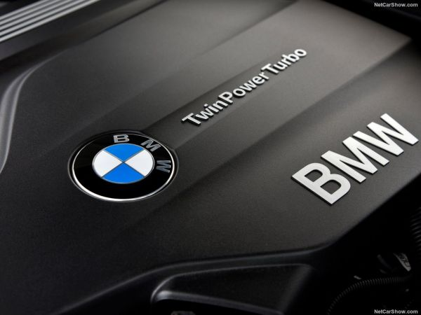 BMW 1-Series 3-door 2018, двигатель