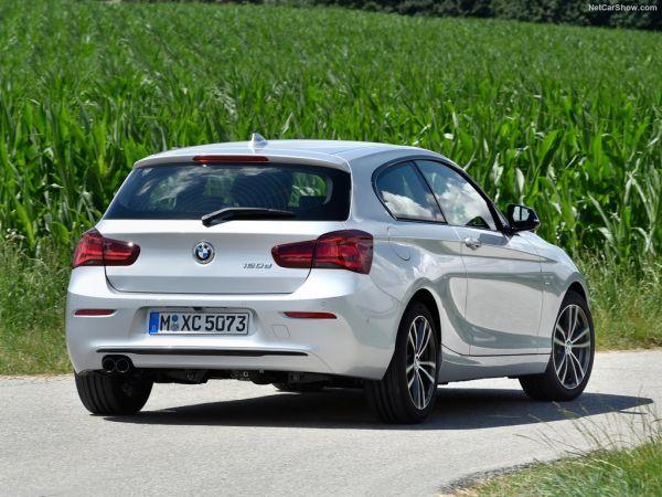 BMW 1-Series 3-door 2018, вид сзади и сбоку справа