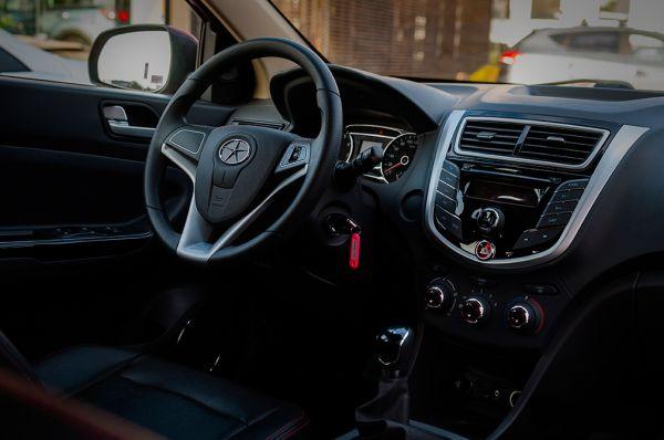Передняя панель базовой комплектации седана JAC J4