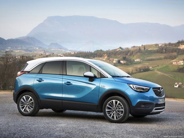 Opel Crossland X 2018, вид сбоку справа