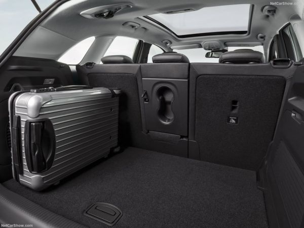 Opel Crossland X 2018, багажник
