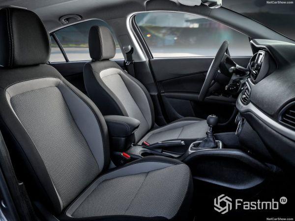 Фиат Типо 2016-2017 года, передние сидения