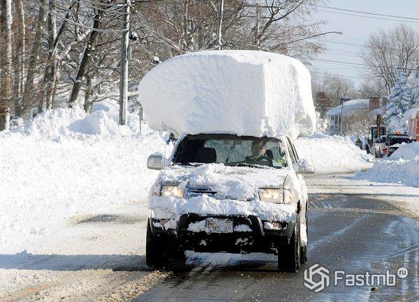 автомобиль после снегопада