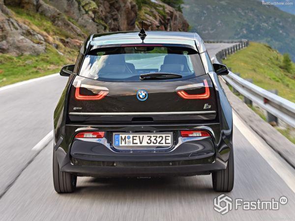BMW i3 2017-2018, вид сзади