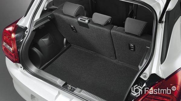 Сузуки Свифт 2017 года, багажник