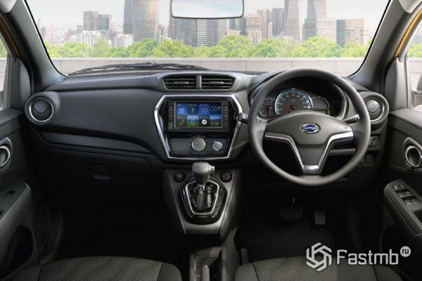 Передняя панель кроссовера Datsun Go-Cross 2018