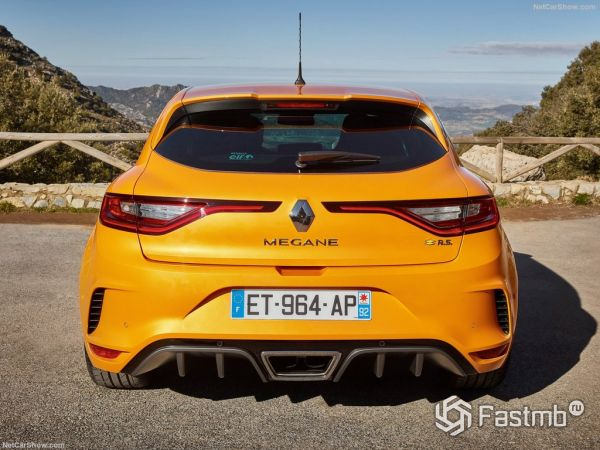 Renault Megane RS 2018: характеристики, цена, фото и видео-обзор