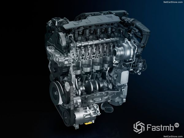 Пежо 308 2018 года, двигатель