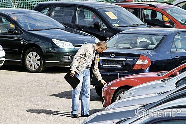 Мошенничество с автомобилями: пять распространенных афер в автосалонах Москвы