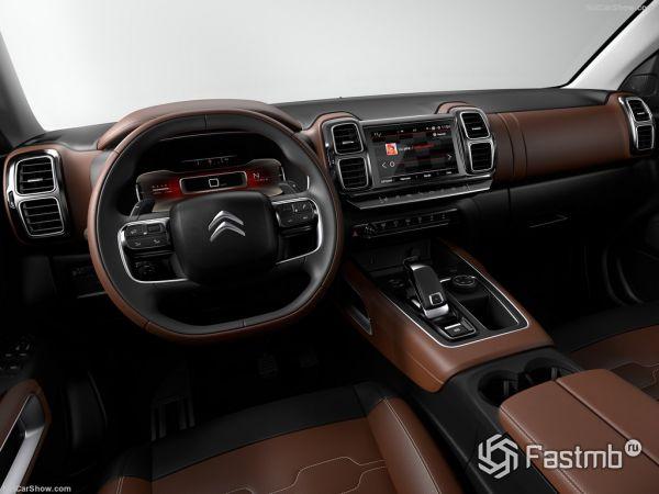 Citroen C5 Aircross 2018, руль и панель управления