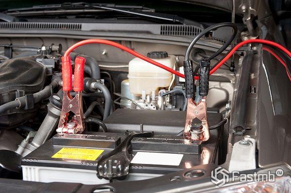 Как функционирует автомобильный аккумулятор