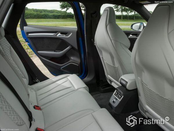 Audi RS3 Sportback 2018, задние кресла