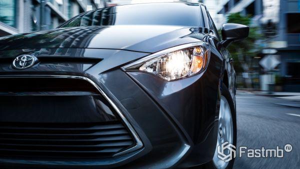 Передняя оптика Toyota Yaris iA 2018-2019