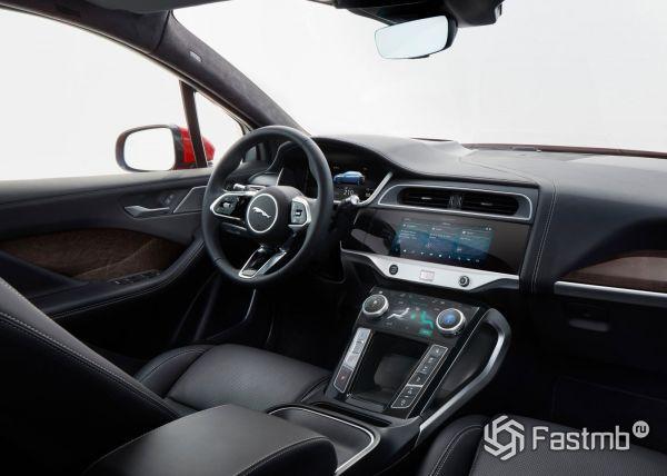 Интерьер Jaguar I-Pace 2018-2019
