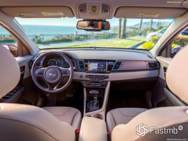 Kia Niro Plug-In Hybrid 2018: характеристики, цена, фото и видео-обзор