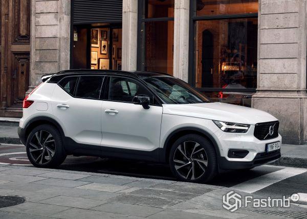 Volvo XC40 2018, вид сбоку