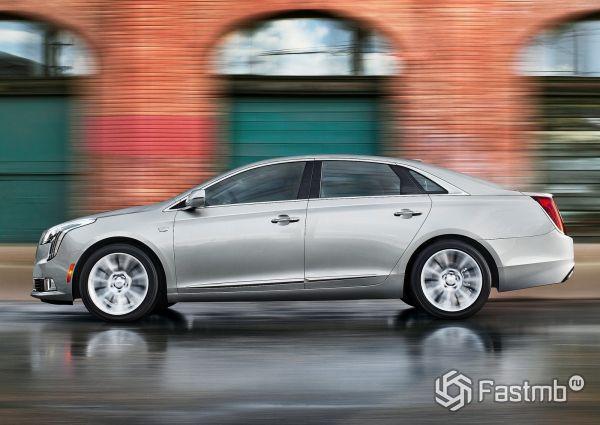 Cadillac XTS 2018, вид сбоку