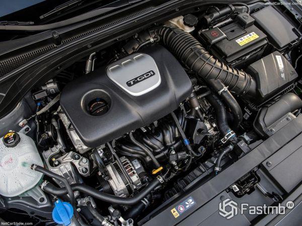 Хендай Элантра GT 2018 года, двигатель