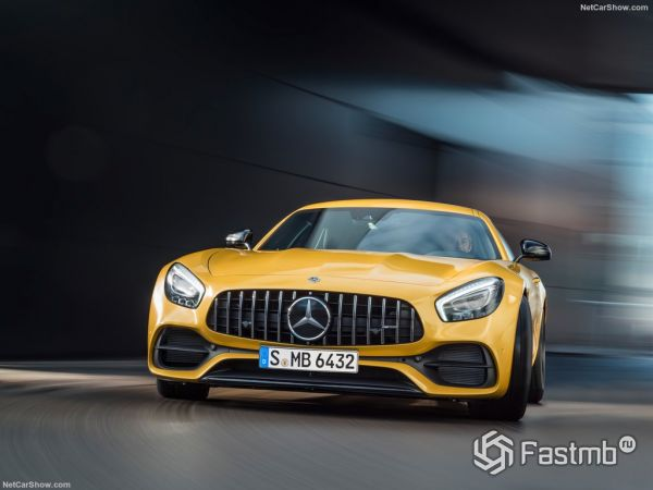 Mercedes-Benz AMG GT S 2018, вид спереди