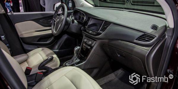 Передние сиденья и консоль Buick Encore 2018