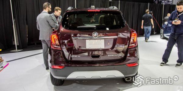 Buick Encore 2018, вид сзади