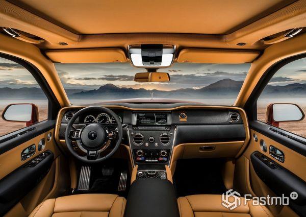 Интерьер кроссовера Rolls-Royce Cullinan 2019