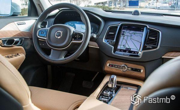 Интерьер нового Volvo XC90 2018
