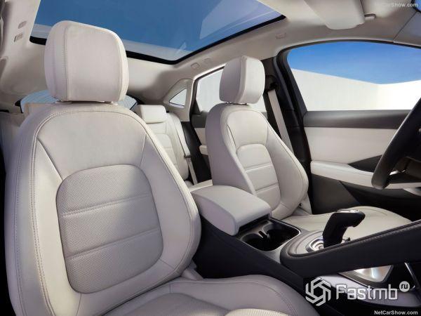 Jaguar E-Pace 2018, передние сидения