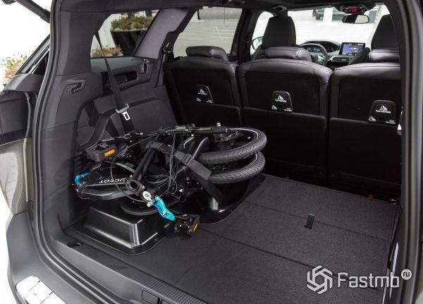 Багажное отделение кроссовера Peugeot 5008
