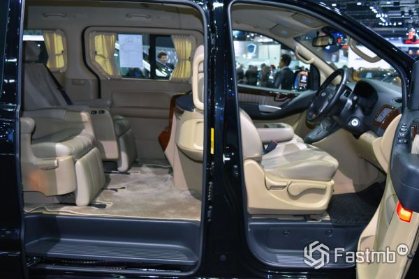 Интерьер Hyundai H1 Business Plus 2018