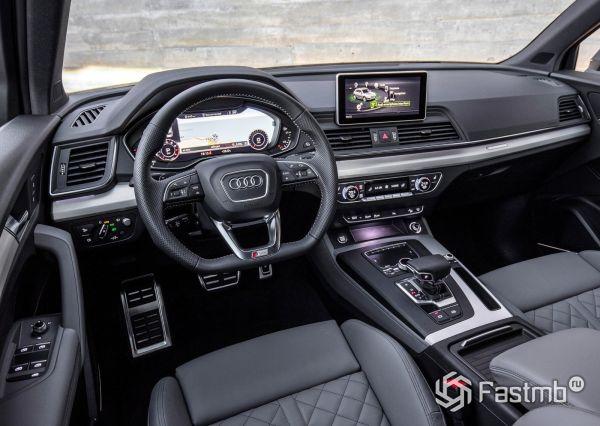 Интерьер Audi Q5 2017-2019