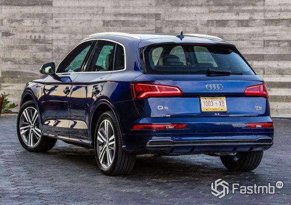 Светодиодные стопы нового Audi Q5