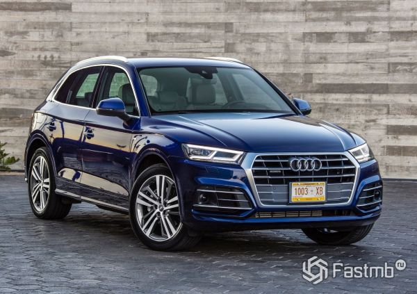 Насыщенный синий цвет кузова Audi Q5