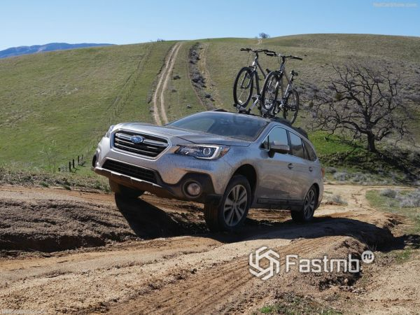 Subaru Outback 2018, вид спереди и сбоку слева