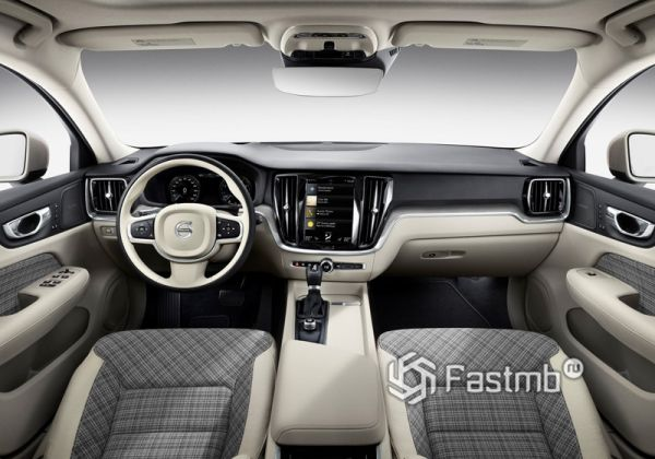 Интерьер Volvo V60 2019