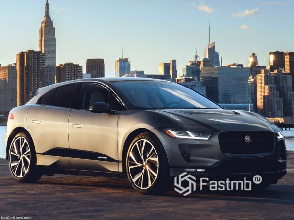 Jaguar I-Pace 2019, вид спереди и сбоку справа