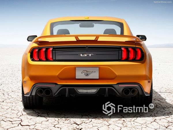 Ford Mustang GT 2018, вид сзади